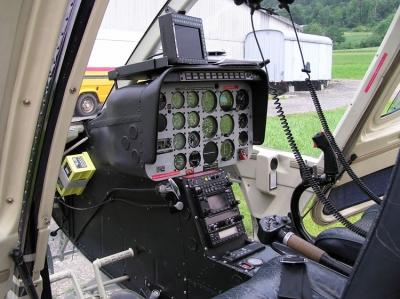Das Cockpit des Bell Jet Rangers HB-XXO