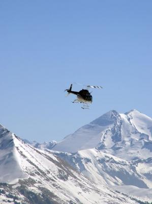 Abflug des Jet-Ranger auf dem Gumm Richtung Osten
