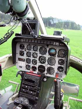 Das Instrumentenpanel des Jet-Ranger