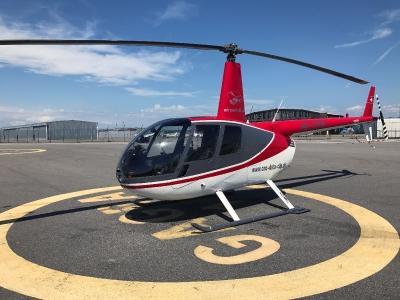Der R44 HB-ZDW am Flughafen Basel