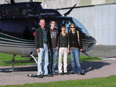 Familie Kupper nach dem Jet Ranger Rundflug