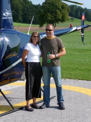 Rainer Boelle mit Frau nach dem Flug
