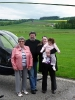 Familie Bühler Pojar nach dem Rundflug von Jarmila