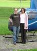 Christelle und Roman Probst beim Landeplatz in LSZO