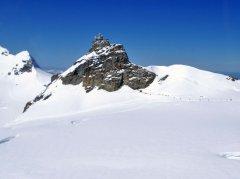 Anflug auf den Gebirgslandeplatz Jungfraujoch