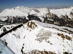 Anflug auf den Gebirgslandeplatz Wallegg