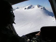 AS350 HB-ZFA beim Anflug auf das Wildhorn