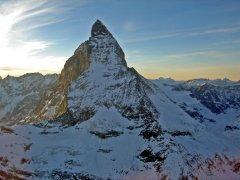 Das Matterhorn kurz vor dem Sonnenuntergang