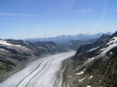 Der grosse Aletschgletscher im Sommer