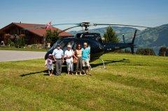Jürg Gysel mit Familie bei der Chmihütte